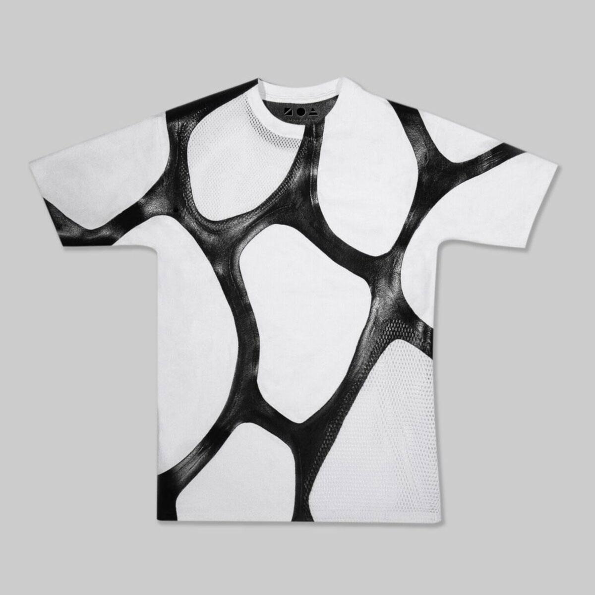 T-Shirt mit Zoa-Lederstreifen aus dem Fermentationstank schaffte es sogar in Museum of Modern Art..